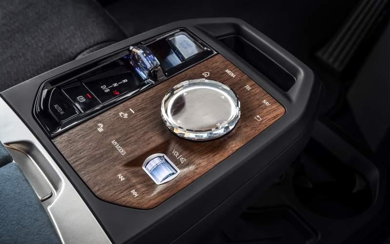 BMW iX: Koncept proměněný v realitu