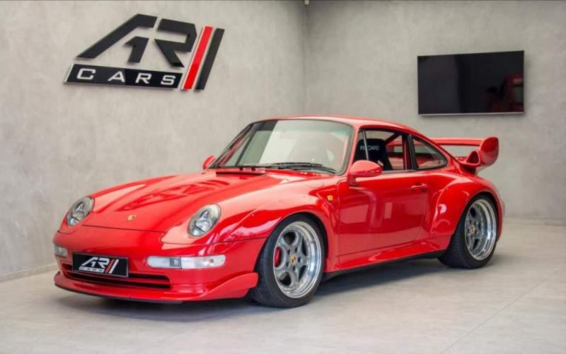 Splňte si klukovský sen. Kolik stojí ojeté Porsche, Ferrari či Lambo?
