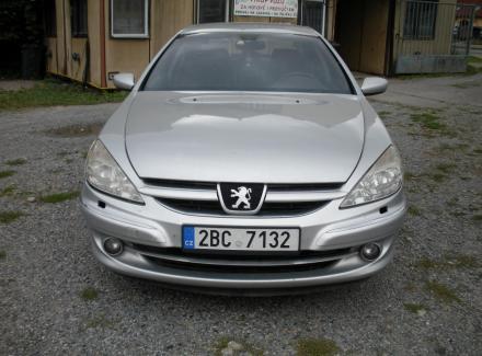 Peugeot - 607