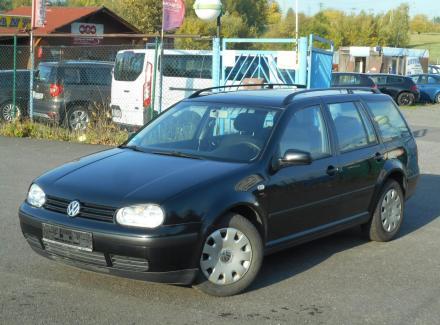 Volkswagen - Golf