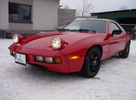 Porsche - 928