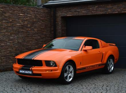 Ford - Mustang